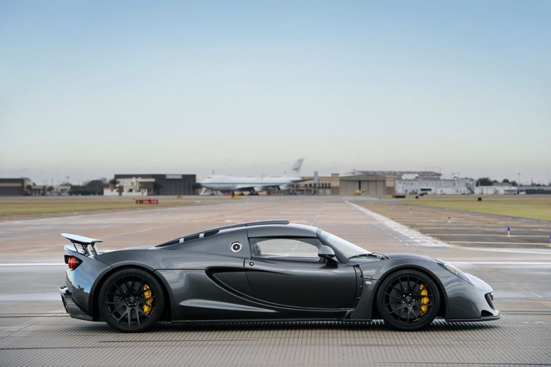 World's Fastest Production Car from 0 – 300 km/h