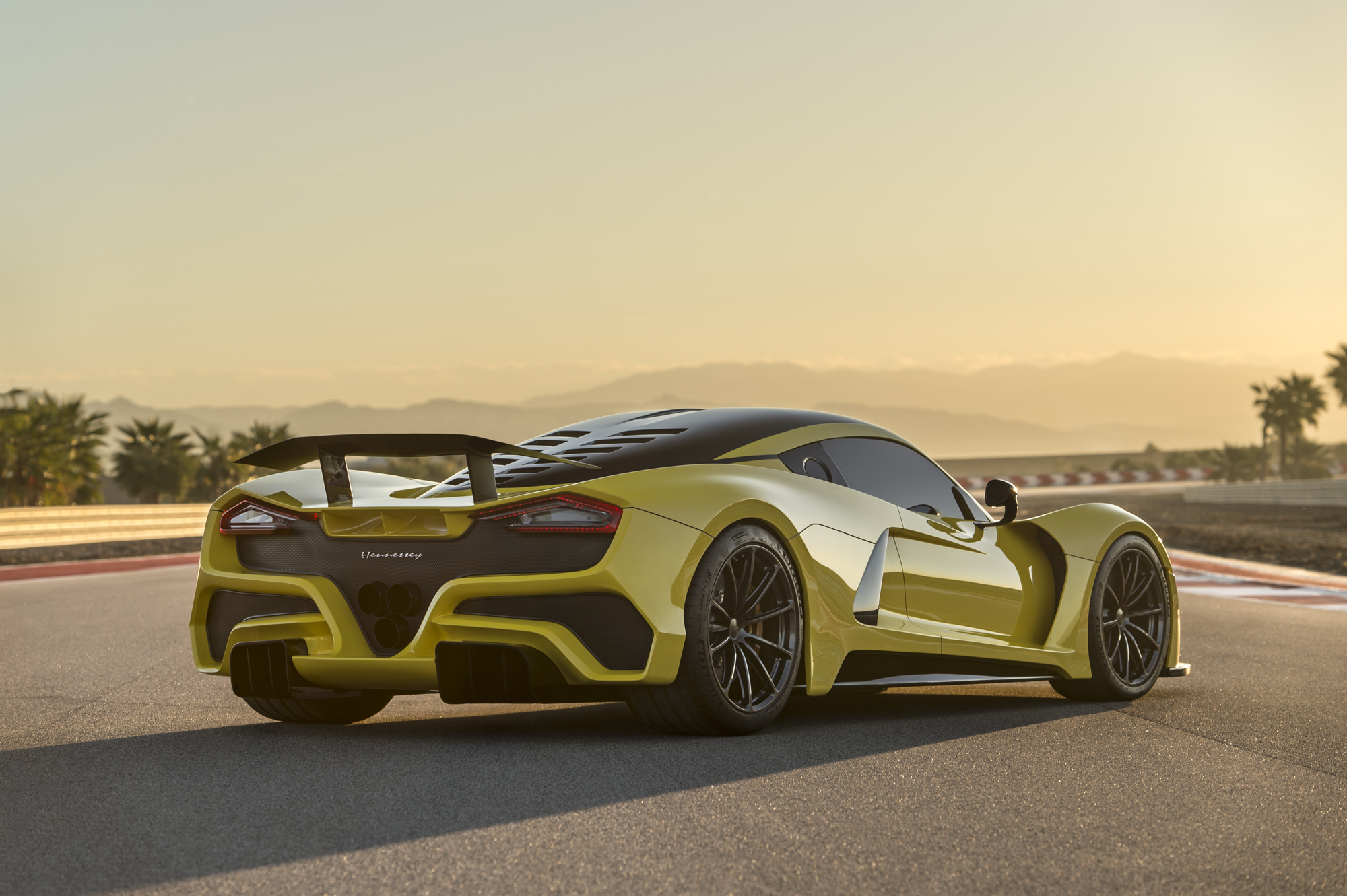 koenigsegg agera rs world records with Venomgt on venomgt also Koenigsegg Agera R Sets Guiness World Record For 0 300 0 Kmh Video together with 2018 Toronto Auto Show moreover Koenigsegg Agera R Sets Guiness World Record For 0 300 0 Kmh Video additionally koenigsegg.