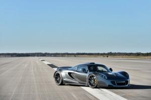 World's Fastesta: 270.49 mph Hennessey Venom GT